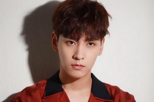 Choi Joon Hong atau akrab disapa Zelo adalah seorang penyanyi, penari, rapper dan beatboxer asal Korea Selatan