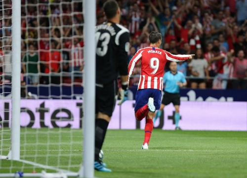 Sundulan Alvaro Morata menaklukkan David Soria (Foto: Situs resmi Atletico Madrid)