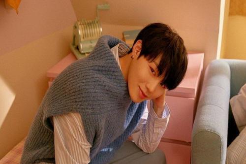 Penyanyi asal Korea Selatan satu ini sempat diramal akan menyandang status Jomblo hingga 10 tahun