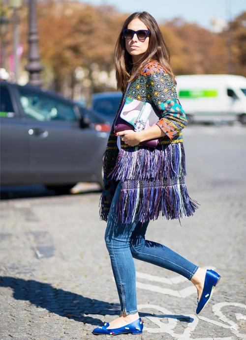 Perempuan pakai flatshoes