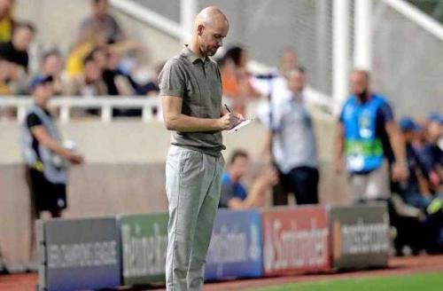Erik ten Hag mencatat Ajax setidaknya punya lima peluang mencetak gol (Foto: De Telegraaf)