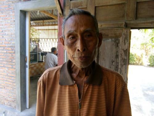 Ketua RT03/02 Dusun Tanon Lor, Desa Gedongan, Colomadu, Karanganyar, Jawa Tengah, Sardjo Handojo (foto: Bramantyo/Okezone)