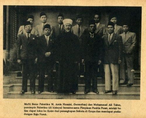 Foto/Buku Diplomasi Revolusi RI di Luar Negeri