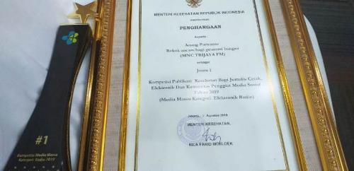 Radio MNC Trijaya mendapat penghargaan jurnalistik. (Foto: MNC Trijaya)