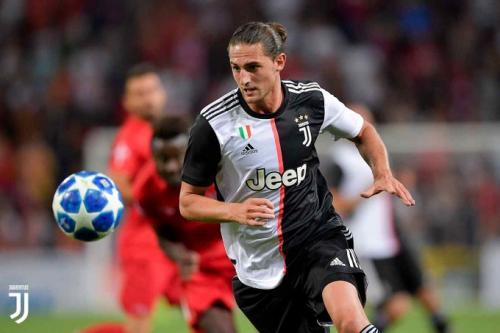 Adrien Rabiot membela Juventus