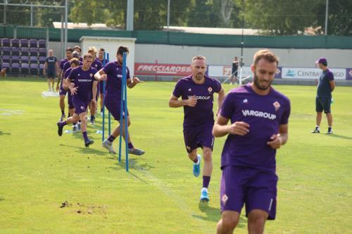 Pemain Fiorentina berlatih