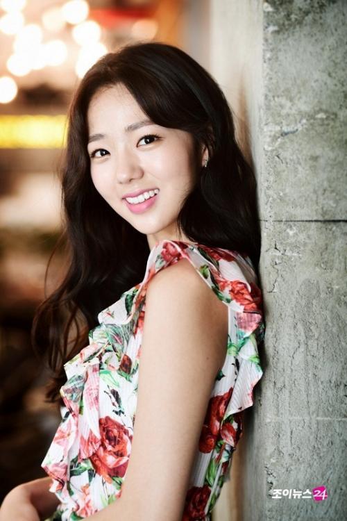 Chae So Bin akan berperan sebagai Han Seo Woo dalam drama Half of Half. (Foto: Hancinema)