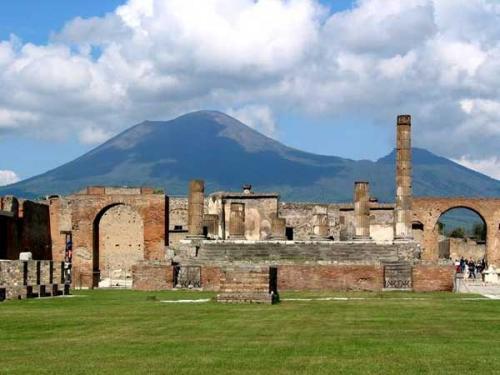 Daerah Arkeologi Pompeii, Herculaneum dan Torre Annunziata (foto: Wikipedia)