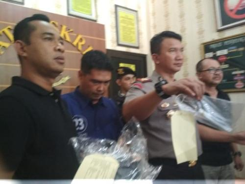 Polres Solo Gelar Perkara Kasus Penusukan hingga Menyebabkan Seorang Pria Tewas (foto: Okezone.com/Bramantyo)