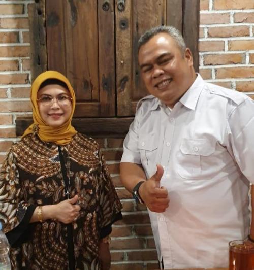 Bakal Calon Wali Kota Tangsel Tomi Patria Bertemu dengan Siti Nur Azizah (foto: Okezone.com/Hambali)