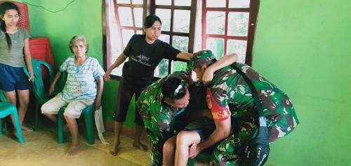 Proses evakuasi warga sekitar Gunung Karangetang (Foto: Istimewa)