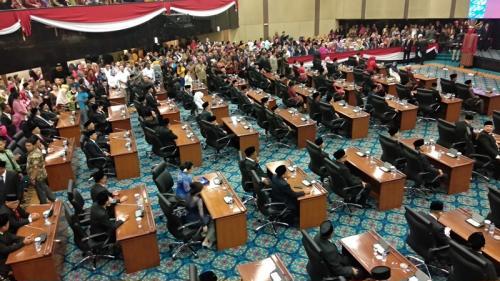 Rapat paripurna DPRD DKI soal pengucapan janji anggota dewan periode 2019-2024 di Gedung DPRD DKI Jakarta, Senin (26/8/2019). (Foto : Okezone.com/Fadel Prayoga)