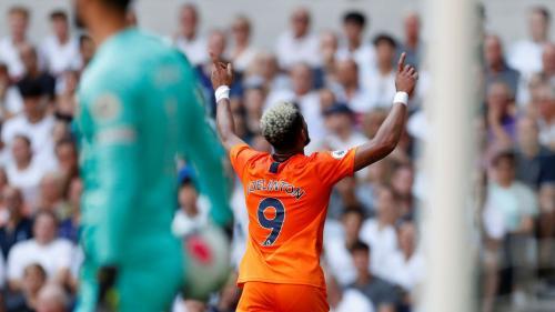 Joelinton rayakan gol ke gawang Tottenham (Foto: Premier League)