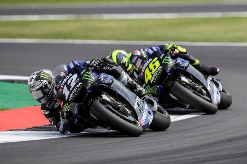 Maverick Vinales dan Valentino Rossi (Foto: MotoGP)