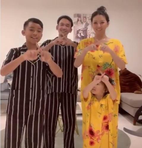 Sarwendah dan keluarga