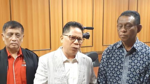 Ketua Gerkindo Yerry Tawalujan (tengah). (Foto : Okezone.com/Sarah Hutagaol)