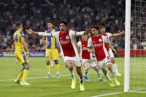 Suasana laga Ajax vs APOEL