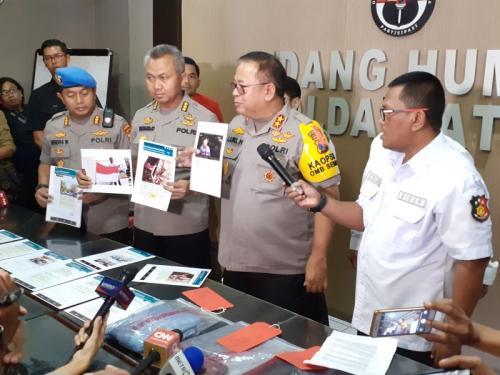 Polda Jawa Timur Gelar Perkara Kasus Penyebaran Hoaks yang Dilakukan Tri Susanti (foto: Okezone.com/Syaiful Islam)