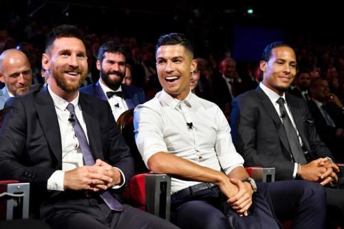 Messi, Ronaldo, dan Van Dijk saat menghadiri acara Pemain Terbaik Eropa 2018-2019