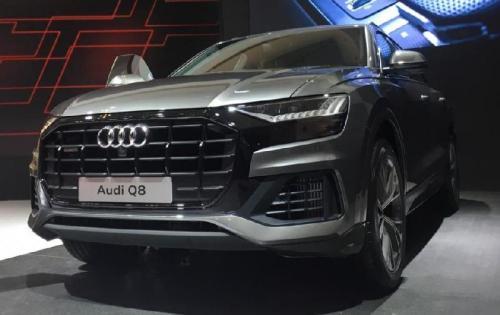 Model Audi Q8