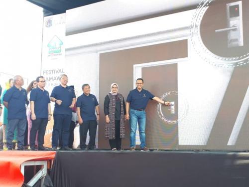 Gubernur DKI Jakarta Anies Baswedan Resmikan Tower Samawa, Hunian Pertama Program Samawa Rumah DP 0 Rupiah di Hunian Nuansa Pondok Kelapa, Jakarta Timur (foto: Okezone.com/Fadel Prayoga)