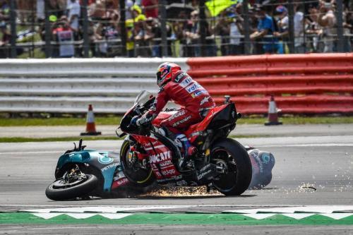 Andrea Dovizioso tidak bisa menghindari kecelakaan (Foto: MotoGP)