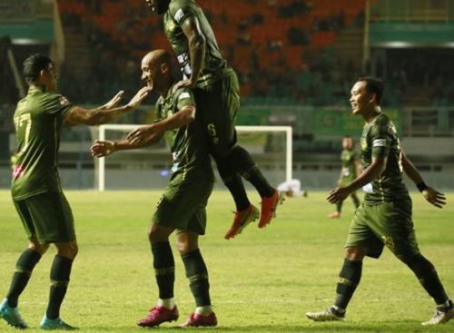 Loris Arnaud mencetak dua gol di laga tersebut (Foto: Instagram/PS Tira-Persikabo)