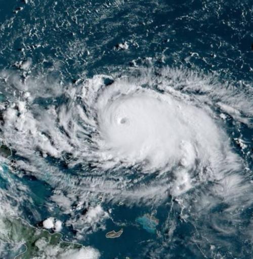 Badai AS Dorian Semakin Menguat