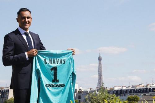 Keylor Navas resmi berlabuh ke PSG
