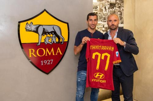 Henrikh Mkhitaryan resmi berlabuh ke AS Roma