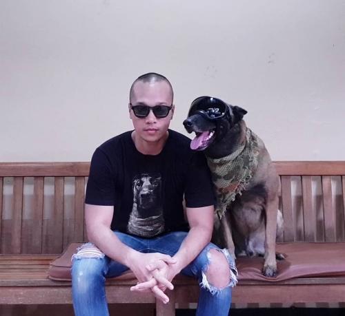 Bima Aryo dan anjing kesayanganya
