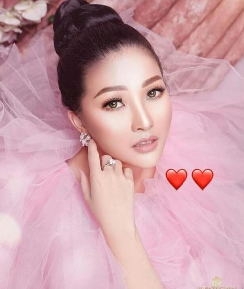 Sarwendah Pink