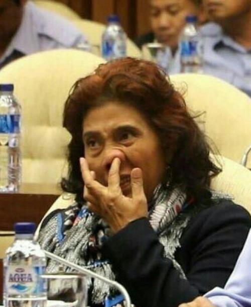 Viral Menteri Susi Mengupil (Twitter Susi Pudjiastuti)