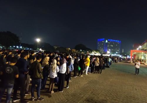 Suasana antrean konser Traumatic Tour Mike Shinoda. (Foto: Okezone/Ady Prawira Riandi)
