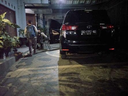 Penggeledahan KPK di rumah Bupati Muara Enim