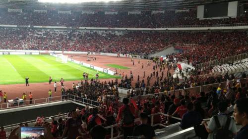 Laga antara Timnas Indonesia vs Malaysia diwarnai kericuhan (Foto: Okezone/Rivan Nasri Rachman)