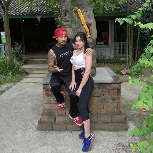 Jerinx dan istri