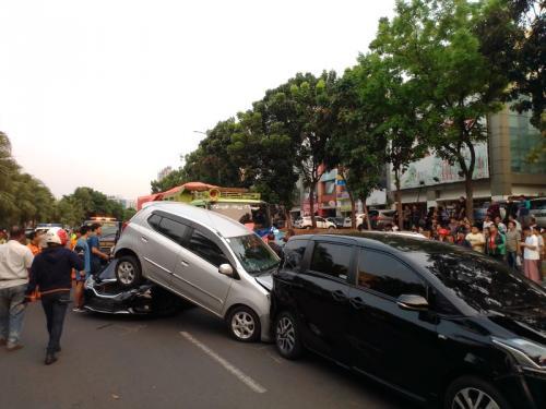 Kecelakaan beruntun di Bintaro
