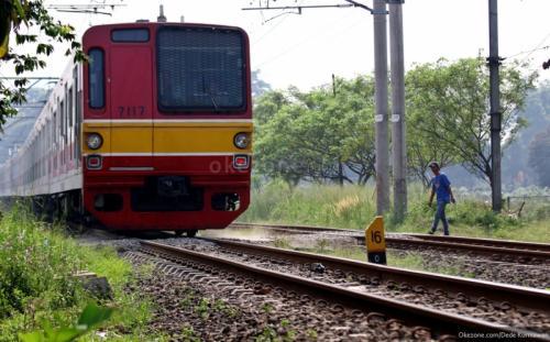 Lintasan sebidang kereta api sering mengakibatkan kecelakaan (Foto: Okezone.com/Dede)