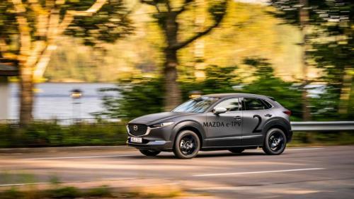 Model Mazda bertenaga listrik