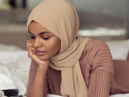 5 Warna Yang Cocok Bagi Hijaber Berkulit Sawo Matang Okezone Muslim