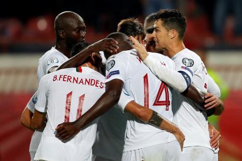 Timnas Portugal rayakan gol Cristiano Ronaldo (Foto: UEFA)