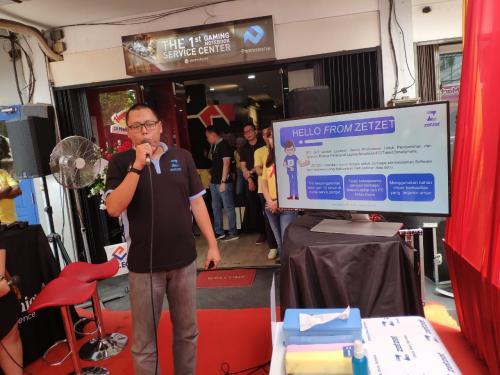 ZetZet adalah layanan servis profesional untuk pembersihan dan optimasi gadget pertama di Indonesia.