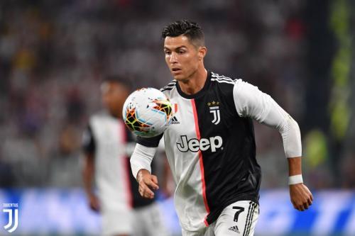 Aksi Cristiano Ronaldo saat sedang membela Juventus