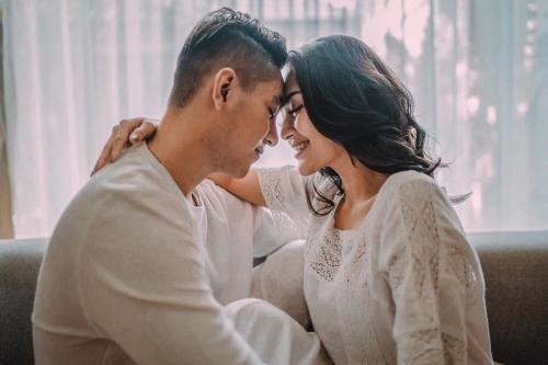 Siti Badriah dan suami mengaku, tidak menunda untuk memiliki momongan. (Foto: Instagram/@sitibadriahh)