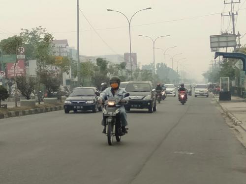 Kabut asap di Pekanbaru Foto: Banda Haruddin Tanjung