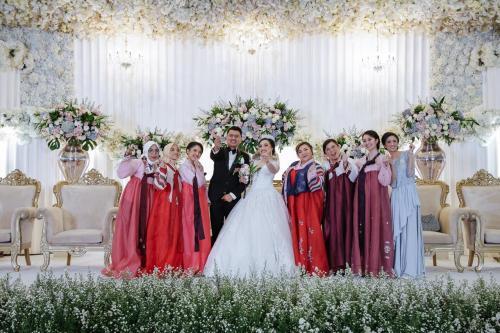 Pernikahan unik