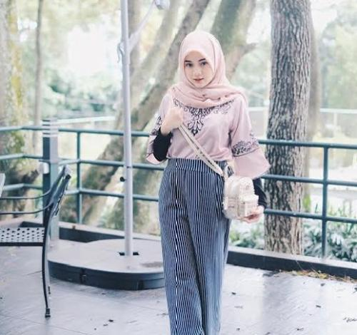 Diandra Marsha menawan dengan hijabnya