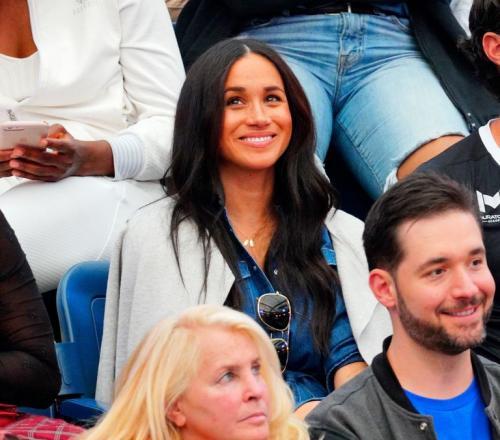 demi menghadiri menonton langsung Serena bertanding di final US Open 2019.