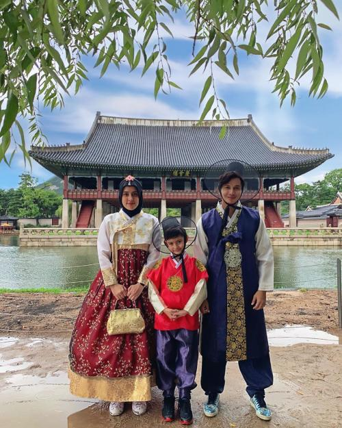 Fairuz pakai baju korea